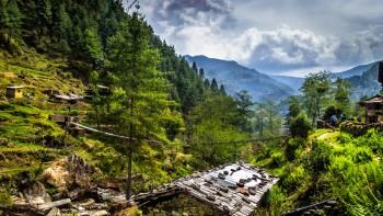 Trek prochází nádhernou přírodou, cesta z Jiri do Shivalaye